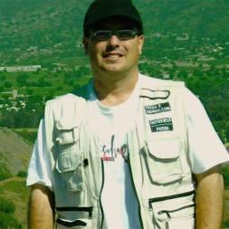 Levis Jornalista México Pirâmide