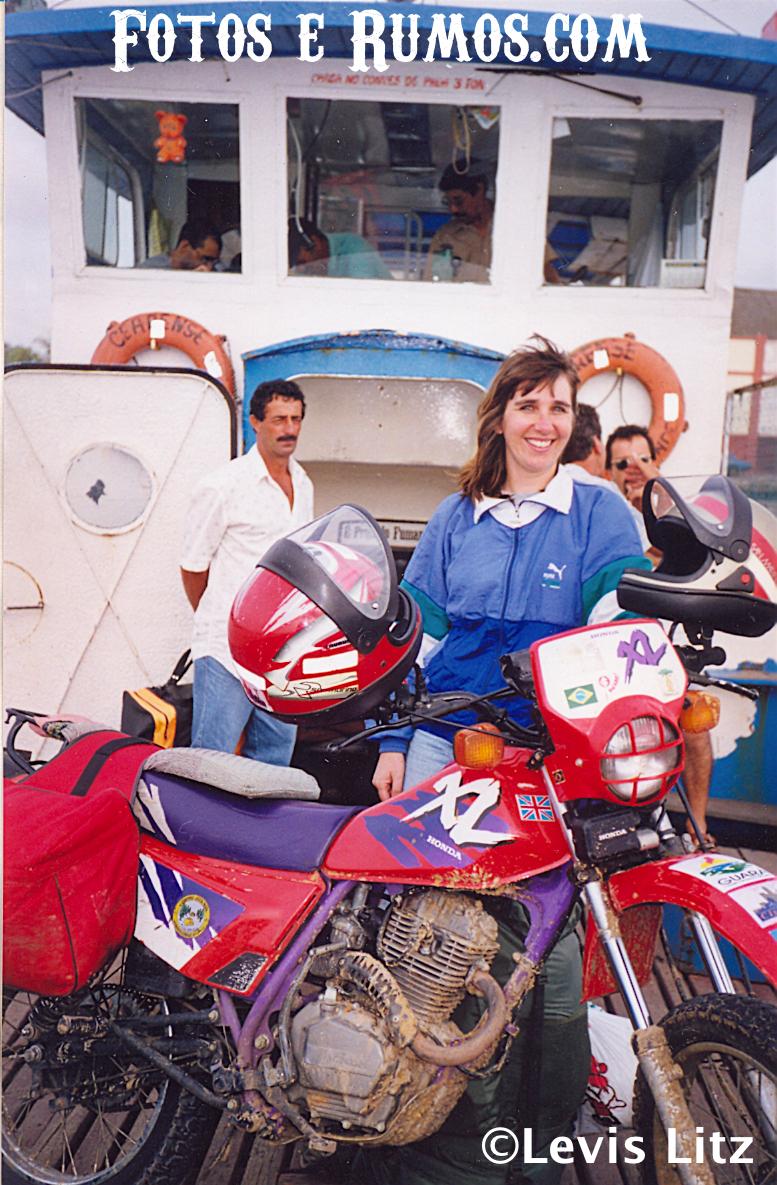 com crédito Valesca - Motocicleta - No Barco